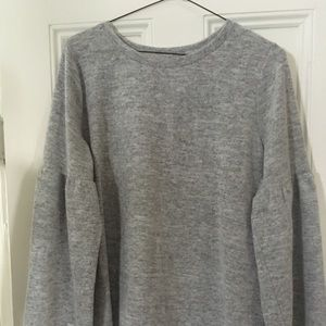 Light gray heathered top with bell sleeves